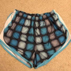 women's large patterned nike shorts